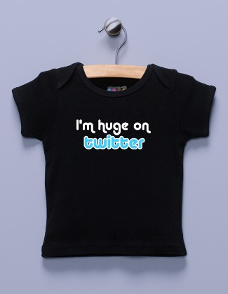 """I'm Huge on Twitter"" Black Shirt / T-Shirt"